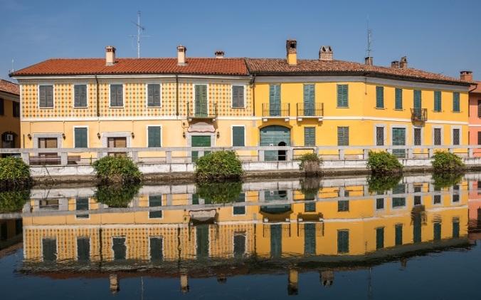 Naviglio Grande, Italy