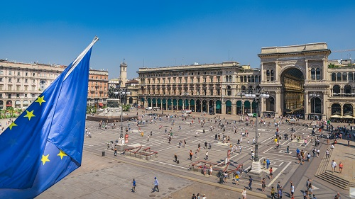Piazza Duomo, Italy-14
