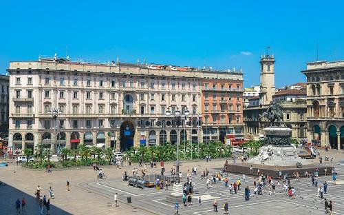 Piazza Duomo, Italy-18