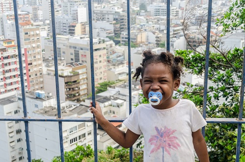 little girl in favela