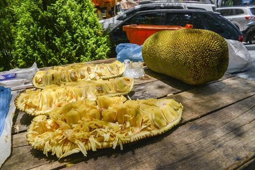 Fruit and vegetable market in Ipanema, Rio de Janeiro