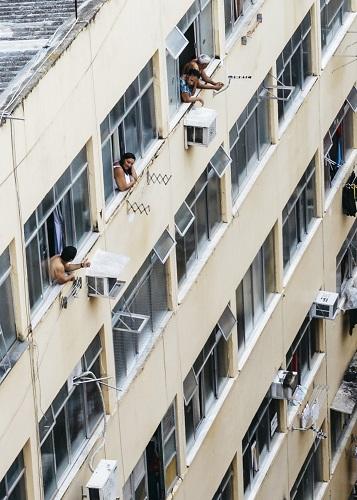 Chatty Brazilian Neighbours