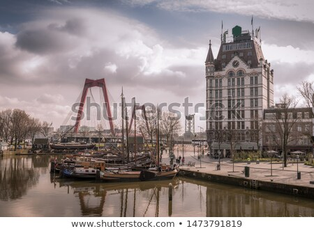 oudehaven-harbor-historical-houseboats-white-450w-1473791819