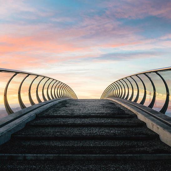 futuristic-pedestrian-bridge-alexandre-rotenberg