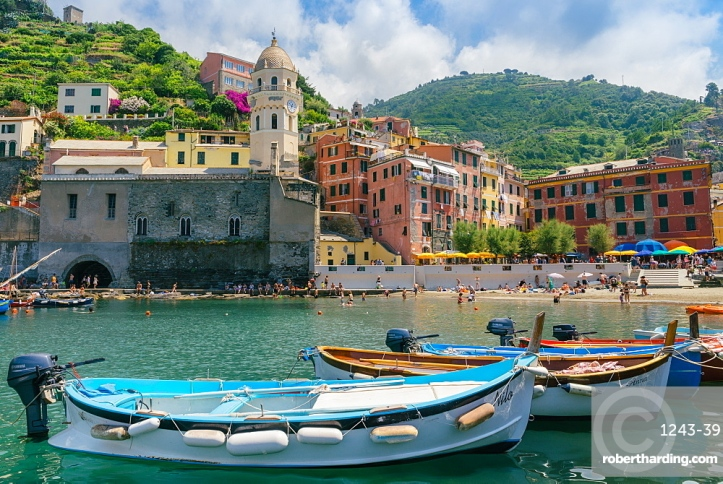 Harbour at Vernazza, Cinque Terre, Italy